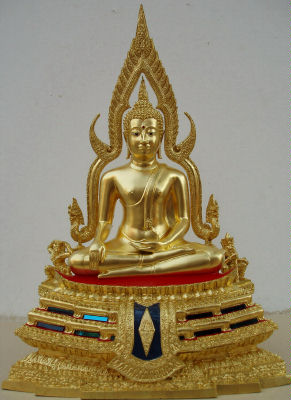 geweihte thai buddha statuen aus thailands tempeln thai amulet fair. Black Bedroom Furniture Sets. Home Design Ideas