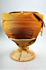 https://www.thai-amulet.com/images/categories/Almosenschale_fuer_Thai_Moenche-84.jpg