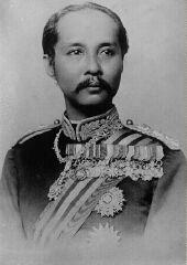 https://www.thai-amulet.com/images/categories/Koenig_Chulalongkorn_Rama_V_von_Siam-107.jpg