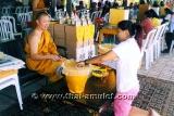 Teilvergoldete Thai Amulett Statue Nang Kwak für finanzielles Glück und Business